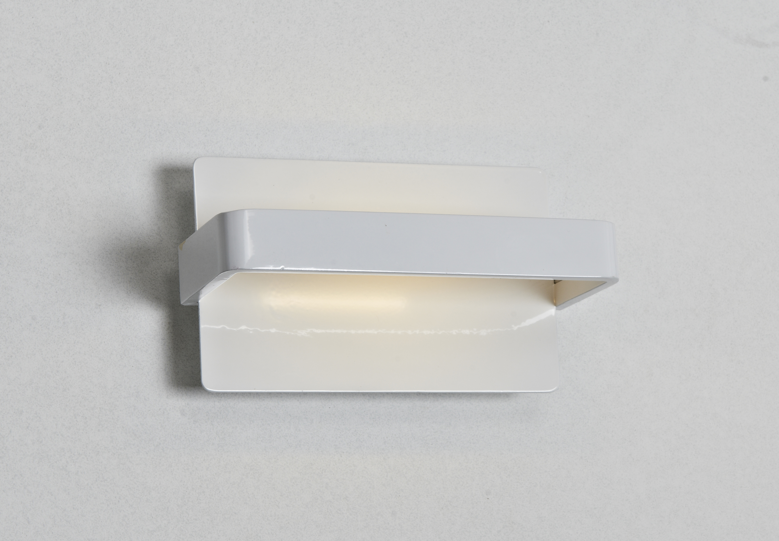 LED Wall Light<br/>ARR-11005-01-WH-LED